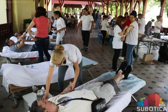 Akcija dobrovoljnog davanja krvi u subotu na Velikoj terasi