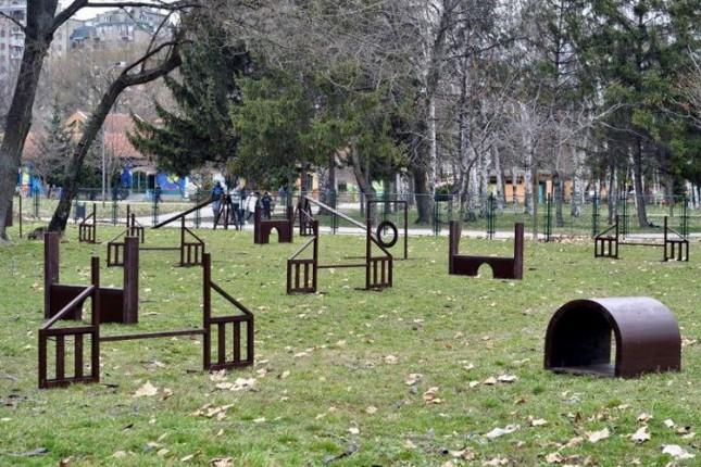 Prvi parkovi za pse u Dudovoj šumi i na Prozivci