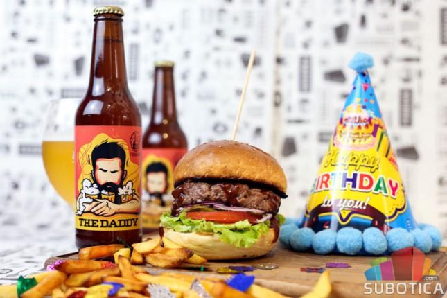 "Drugi rođendan Burger bara ""Fabrika"""