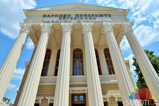 Vratilo se lice Subotice - otkrivena prednja fasada Narodnog pozorišta!
