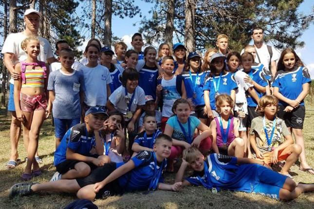 """Plivači """"Spartak-Prozivke"""" osvojili 44 medalje na mitingu za mlađe kategorije u Vrbasu"""