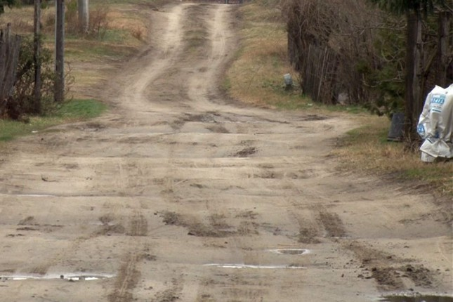 Stanovnici Bračke ulice još uvek čekaju asfalt