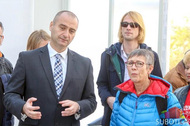 Poslanica Bundestaga posetila prihvatilište za migrante