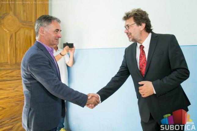 Sastanak predstavnika Srba u Hrvatskoj i Hrvata u Srbiji u Subotici