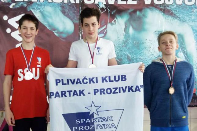 """Plivanje: """"Spartak-Prozivka"""" uspešan na Zimskom prvenstvu Vojvodine u Zrenjaninu"""