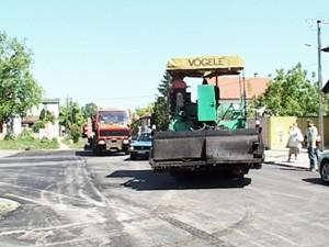 Radovi na asfaltiranju ulica za povezivanje 4 naselja