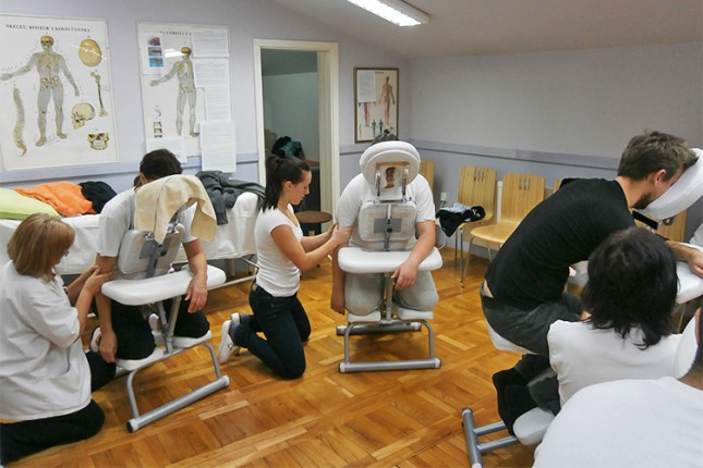 Srednja medicinska škola realizovala seminar masaže