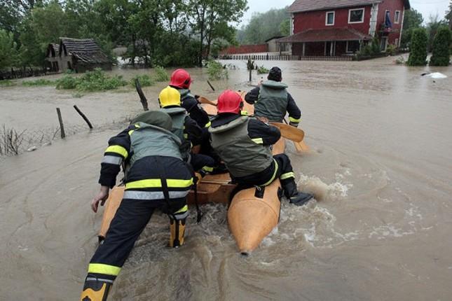 Subotica pomaže ugroženima u poplavama materijalno i finansijski