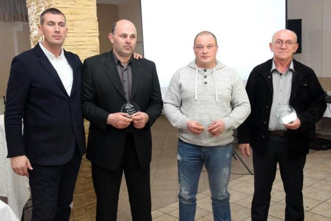 """Nagrađeni najbolji članovi Konjičkog kluba """"Bačka"""""""