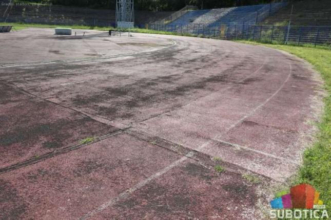 Rekonstrukcija atletske staze gotova do jeseni, a potom sledi zamena trave