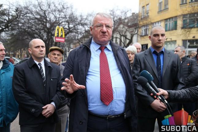 Vojislav Šešelj razgovarao sa građanima Subotice