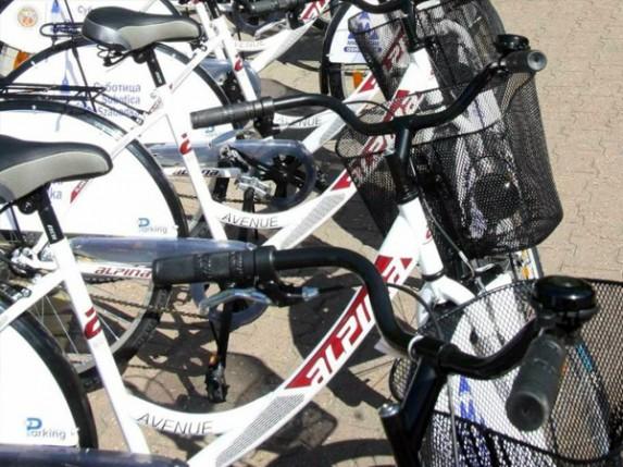 56 bicikli za iznajmljivanje na 4 lokacije, do kraja juna