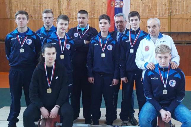 Dizanje tegova: Spartak osvojio pet medalja na prvenstvu Vojvodine
