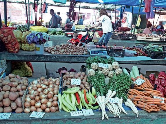 Niže cene voća i povrća na Mlečnoj pijaci