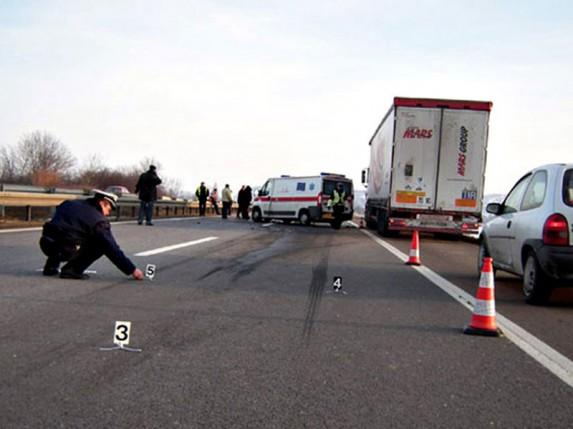 """Saobraćajna nezgoda sa smrtnim ishodom kod graničnog prelaza """"Horgoš"""""""