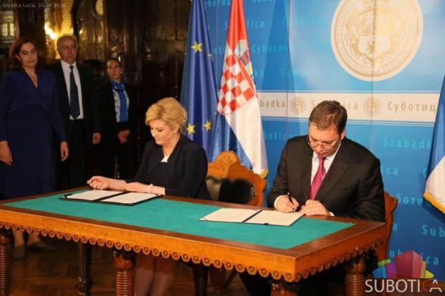 Vučić i Grabar Kitarović potpisali Deklaraciju o unapređenju odnosa između Srbije i Hrvatske