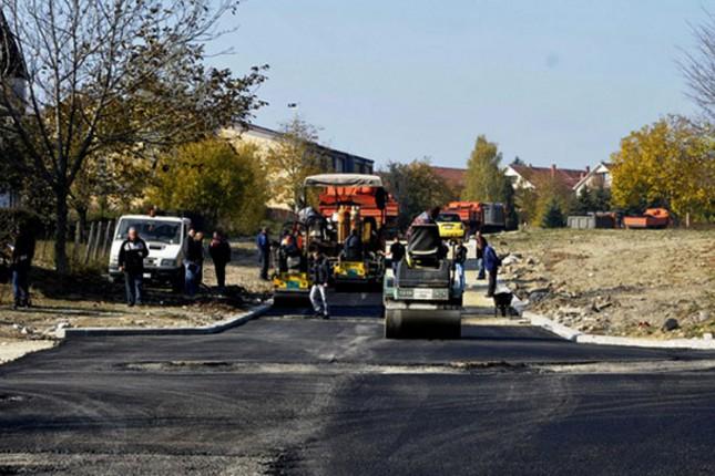 U Bajmoku u toku obnavljanje asfaltne podloge