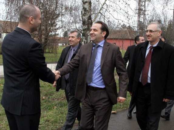 "Rasim Ljajić obišao  Gerontološki klub ""Đurđin"""