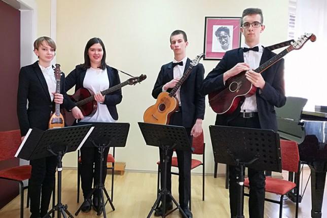 Subotički tamburaški orkestar najbolji na Festivalu umetničke tambure u Novom Sadu
