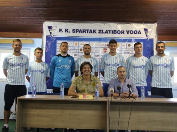 """FK """"Spartak"""" predstavio pojačanja i pozdravio zlatnog reprezentativca Vojvodića"""