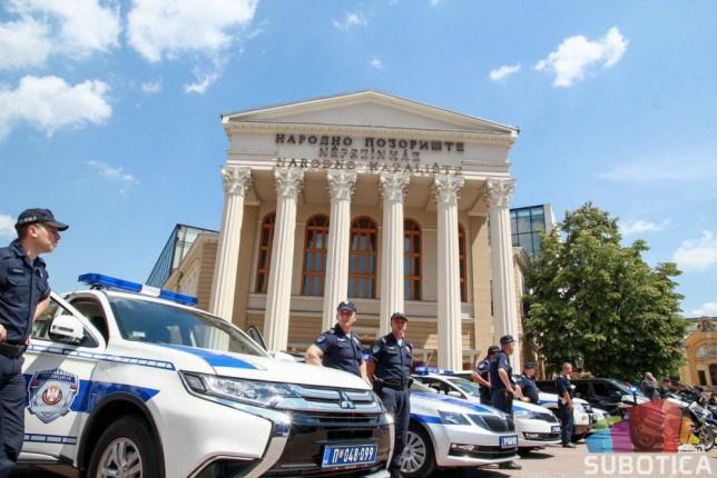 """Održana akcija """"Policajac u zajednici"""" na Gradskom trgu"""