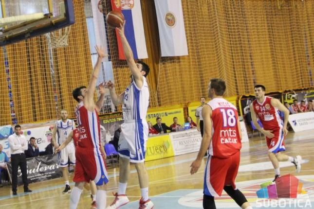 Košarkaši Spartaka iznenadili Borac i zakoračili jednom nogom u Superligu