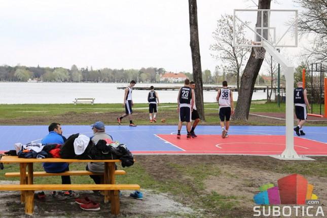 Na Paliću obnovljeni košarkaški teren i teretana na otvorenom