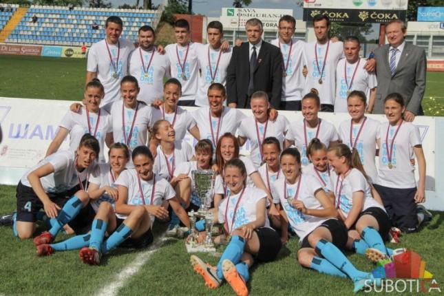 Fudbalerke pobedile Napredak i proslavile petu titulu šampiona države