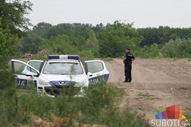 Jedan migrant ubijen, dvojica povređena u međusobnom okršaju