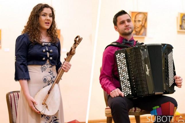 Intervju: guslarka Bojana Peković i harmonikaš Nikola Peković