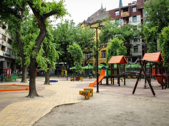 Dečje igralište u centru grada dobija novi sjaj!