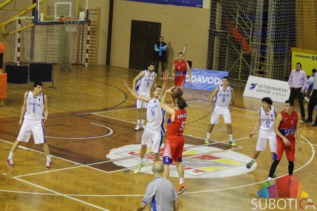 Košarkaši Spartaka porazom od Tamiša oprostili se od domaće publike za ovu godinu