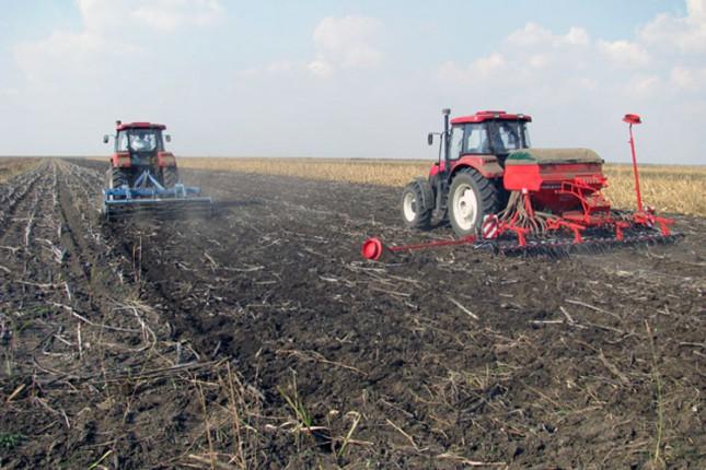 Vetar i niske temperature odlažu poljoprivredne radove