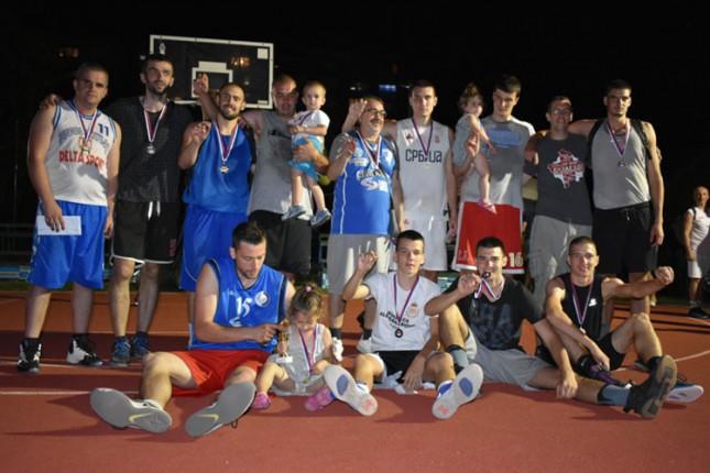 Kroz turnir u basketu prikupljeno 60.000 dinara za socijalno ugrožene srpske porodice sa Kosmeta