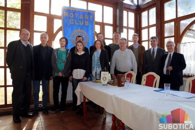 Dodeljene stipendije Rotari kluba Palić