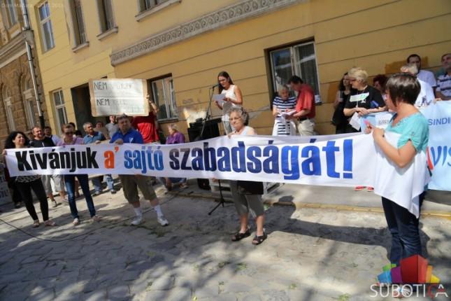 "Protest novinara ""Mađar Soa"" i ""Het Napa"""