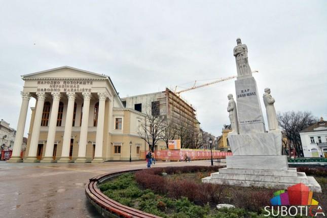 Pozorišne predstave moći će da se gledaju i sa Gradskog trga