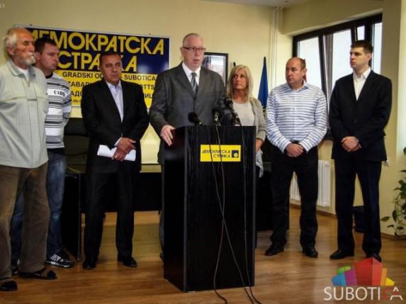 DS: Potpisi na peticiji za smenu Vlade Vojvodine su falsifikat!