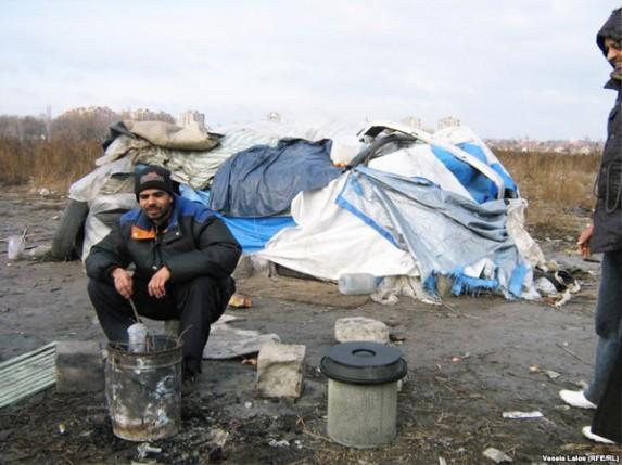 Azilanti iz Pakistana žive na subotičkoj deponiji