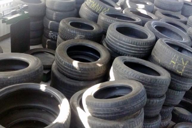 Sprečeni pokušaji krijumčarenja guma na Horgošu