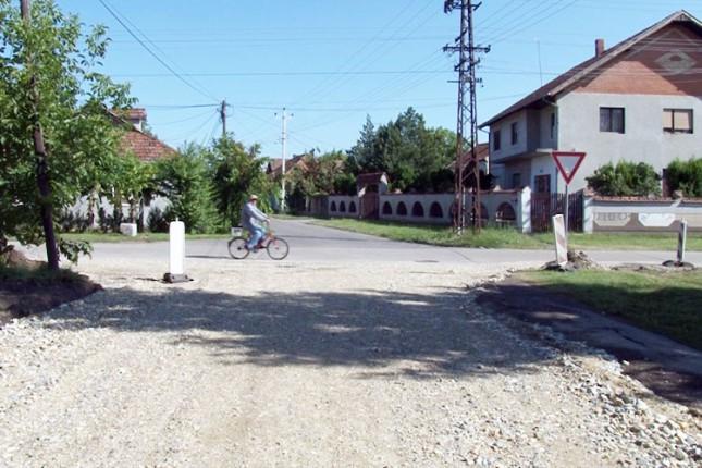 Započeli radovi na asfaltiranju Ulice Jug Bogdana