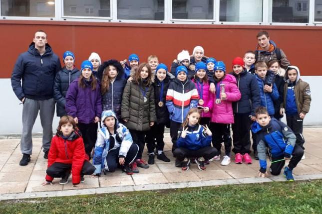 Plivanje: 21 medalja Spartak-Prozivke na međunarodnom mitingu u Kragujevcu