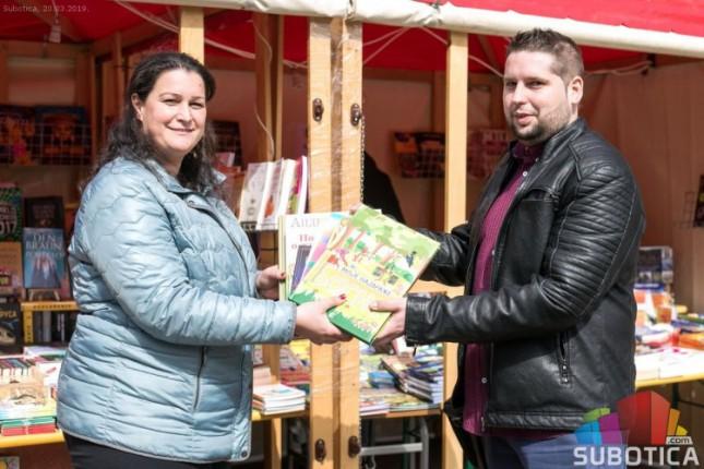 Knjige za školu u Višnjevcu