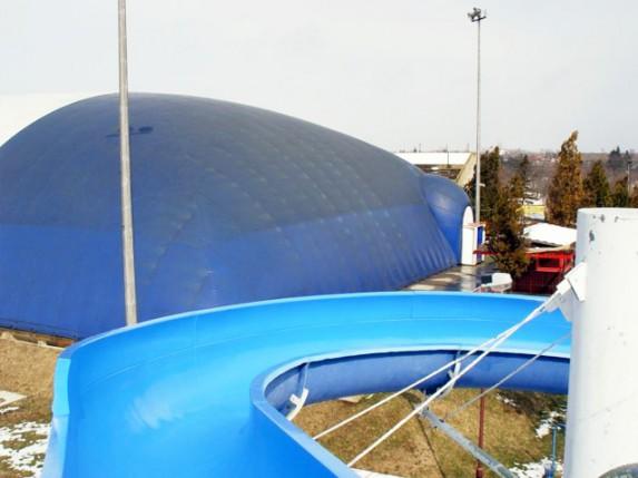 Balon na bazenu u Dudovoj šumi?