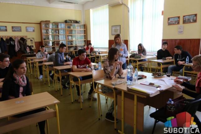 Srednjoškolci iz Srbije testirali znanje iz fizike