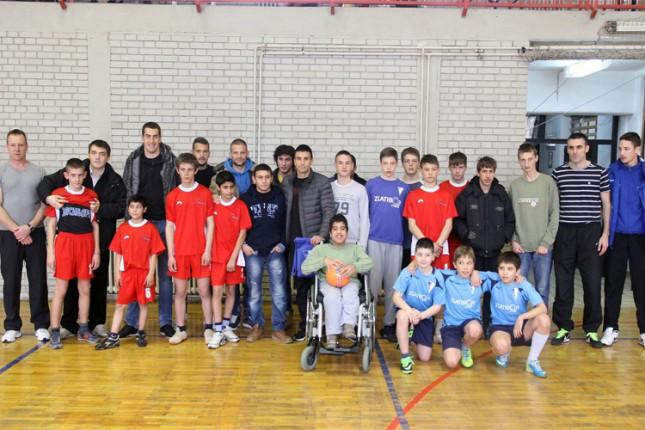 Fudbaleri Spartaka posetili dve škole u Subotici