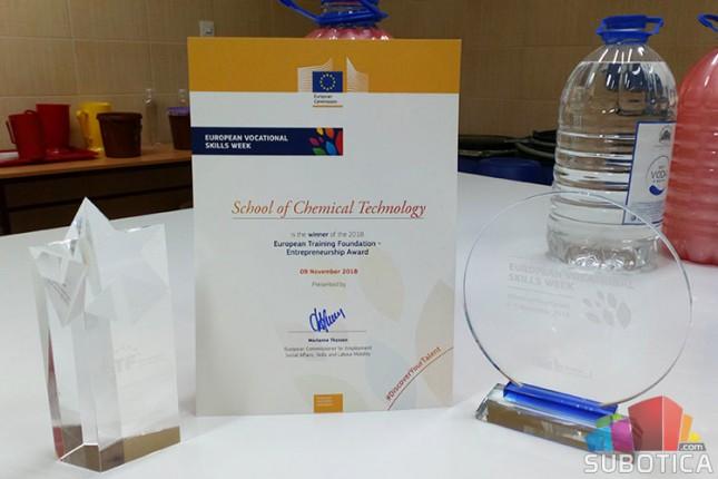 Hemijskoj školi nagrada za razvoj preduzetničkih veština