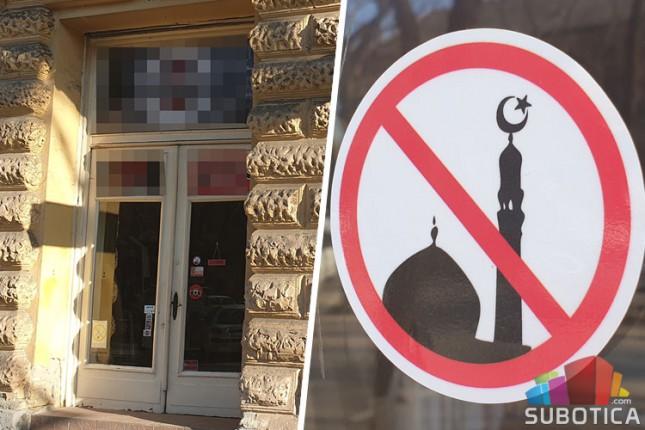 Pojavile se nalepnice protiv pripadnika islamske veroispovesti