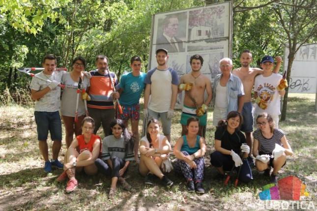 """Volonteri iz celog sveta uređuju """"Mini Jugoslaviju"""""""