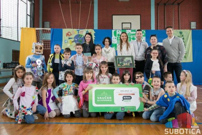 Uručena nagrada učenicima za igračku od recikliranog materijala